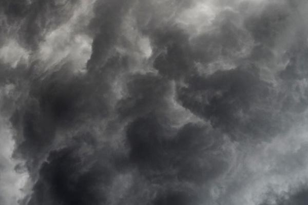 雨雲を見る夢