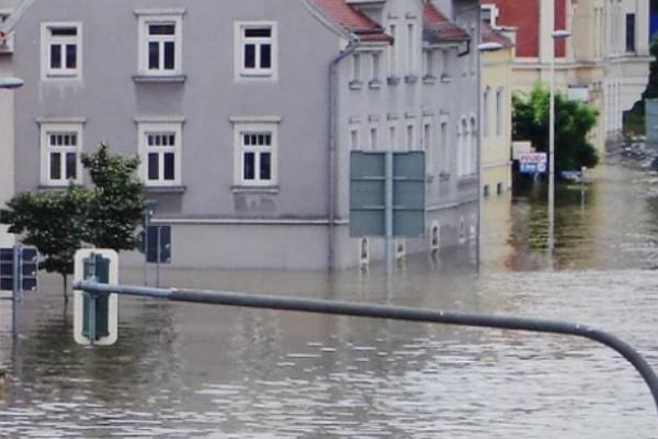雨で洪水・浸水する夢