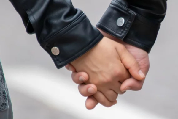 好きな人と手をつなぐ夢