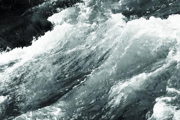 荒れる海の夢・高波の海の夢