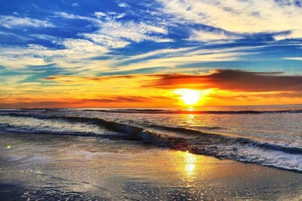海から朝日が昇る夢