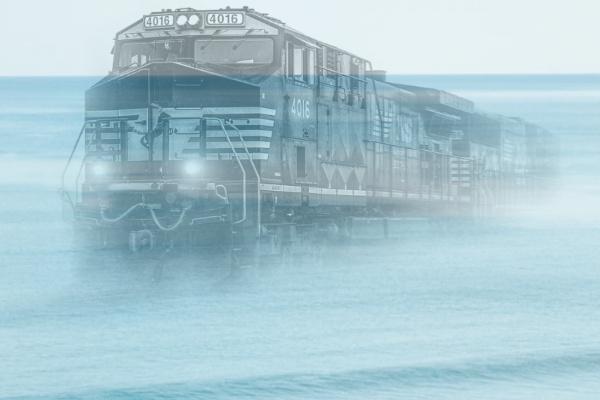 海の上を走る電車の夢
