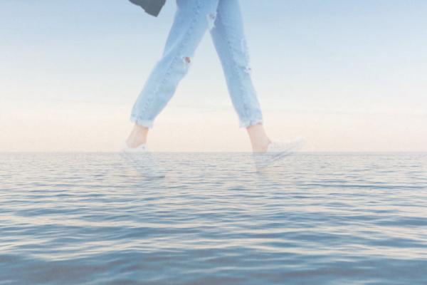 海の上を歩く夢