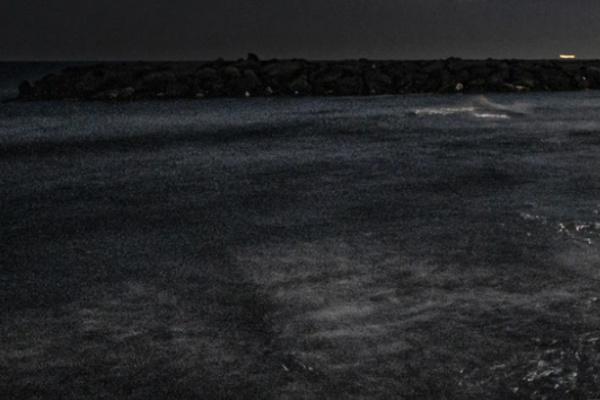 暗い海・夜の海の夢