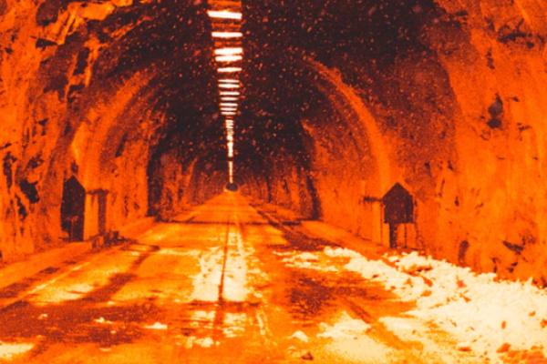 トンネルで火事になる夢