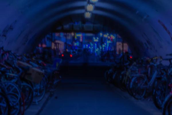 暗いトンネルの夢