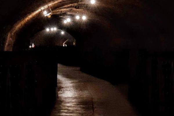 トンネルで迷う夢
