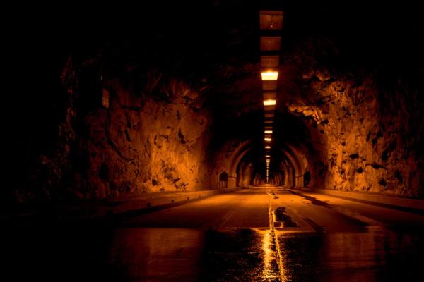 トンネルを出られない・抜け出せない・行き止まりの夢