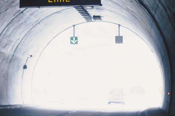トンネルから出る・抜ける夢
