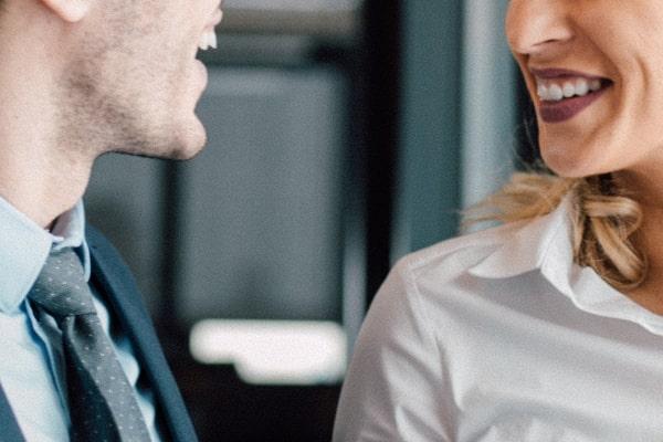 職場の場合、上司や部下の関係ではなく一人の女性として接してくれる