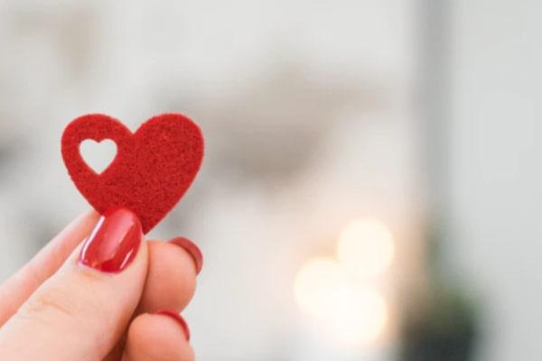 【遠まわしの告白】好意を「好き」の言葉以外で伝えて意識させる(効果大)