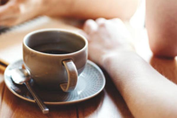「占いカフェ&バー」はちみつぱい