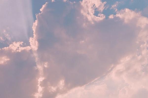 ピンクハート雲