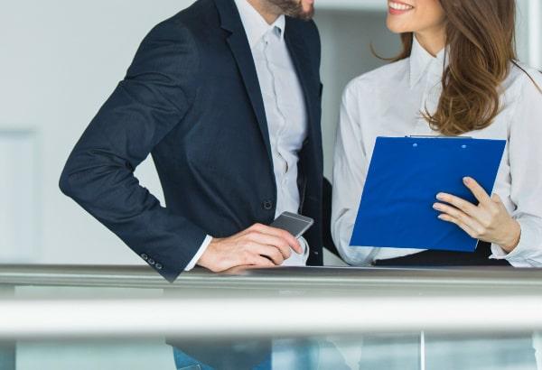 職場の同僚など周りから見て「両思い」だと言われる場合