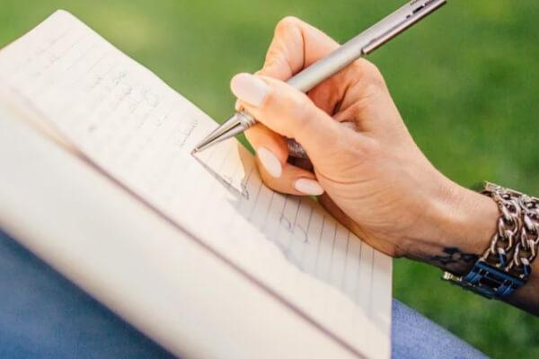 すべきこと①:付き合っていた頃を紙に書き出す