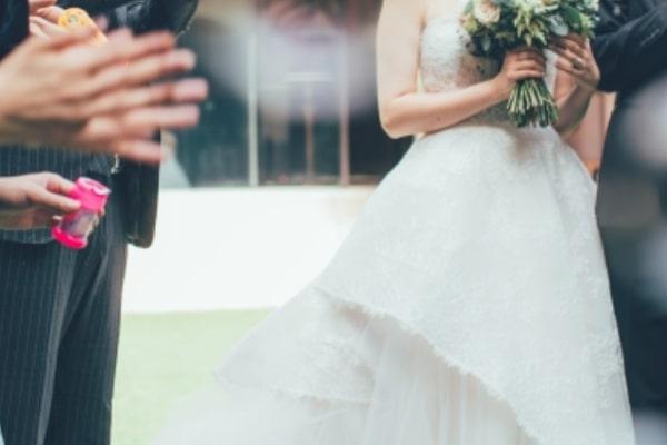 元彼の結婚式に出席している夢