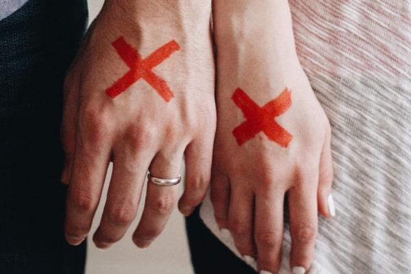 知らない人と離婚する夢